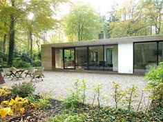 Home Design Plans, Plan Design, Bauhaus, Modern Mobile Homes, Modern House Facades, Extension Designs, Garden Design, House Design, Facade House