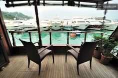 Life on a Boat -Moksha Fr Deck Room in Wong Chuk Hang