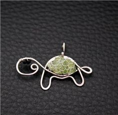 Turtle love. Wonder what else you could use as a body- I've seen marble snails.