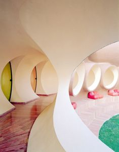 Pierre Cardins Bubble House Palais Bulles | Côte d'Azur | Antti Lovag | photo by Thomas Loof