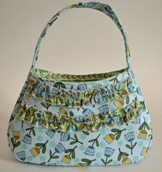 girls purse pattern. Also there is another pin for a matching doll purse pattern (both free!)