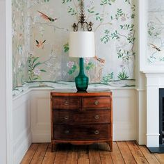 De Gournay's hand-painted wallcoverings are exceptional in their beauty and quality. Intricate chinoiserie pattern can look light and modern with the right background.