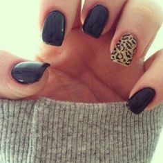 Leopard and black mani