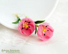Earrings Lotus Polymer Clay Flowers por SaisonRomantique en Etsy