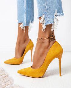 heels extreme heels photography heels crazy heels pumps heels stilettos heels for teens Stilettos, Stiletto Pumps, Pumps Heels, Suede Pumps, Gold Pumps, Heeled Sandals, Yoga Sandals, Yoga Shoes, Pointed Toe Heels