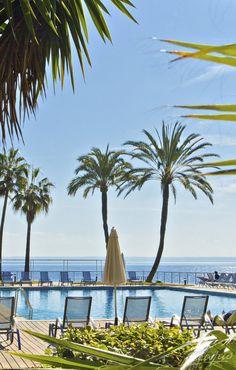 Pool, Palmen und Meerblick - Mallorca: Riu Palace Bonanza Playa, Illetas, Spanien