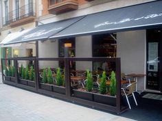 Terraza by Le Bistró Capuccino Bar et Restaurante. Un café, una caña o una copa... ¿comemos o cenamos en la Terraza más cool de Valladolid?