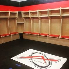 Toronto Aeros Locker Room  #pucklife #hockeylife #hockeyislife #NHL #playerstall #hockeygame #hockeystick #hockey #hockeystick #stickhandling #Bauer #CCM #icehockey #hockeyplayer #dangle #stickhandling #instagood #instadaily #nyr #mnwild #lakings #cgyflames #smashville #edmontonoilers #torontomapleleafs #khl #rockthered #pittsburghpenguins #kaner #habs #russia #bruins