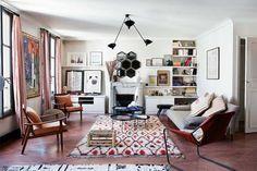 Je vous emmène visiter l'appartement bohème chic chic de Caroline Gayral, une passionnée de tapis berbères, fondatrice de la boutique Fragments.