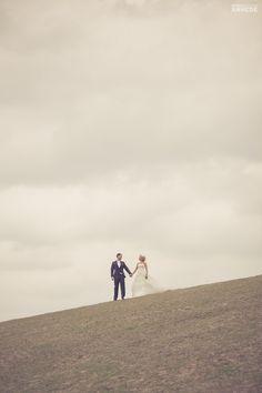 Bröllopsfotograf, Varnhems klosterkyrka, Skara/Skövde – Malin & Erik | Photographer Anhede