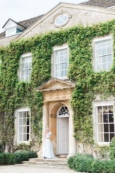 Wedding Inspiration Shoot Jane Austen Georgian Serenity Cotswold Oxfordshire Wedding Planner Cornwell Manor English manor wedding | Kate Nielen Photography
