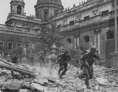 British troops in Catania.