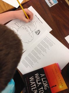 Awesome review of Graphic Organizers for Reading! I love how Karri explains exactly how she used some of the poetry graphic organizers with an inspirational read aloud. $
