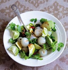 Litchi-and-avocado salad. Def going to try this with summer on the way! Healthy Food Options, Healthy Salads, Healthy Eating, Healthy Recipes, Avocado Recipes, Salad Recipes, Braai Salads, Woolworths Food, South African Recipes