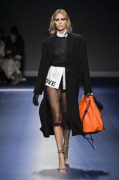 Versace at Milan Fashion Week Fall 2017