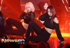 "PRISTIN ♡ Im NaYoung 임나영 'Black Widow' promotions 170516 ""Vampire Ver."" #냐냐 #나영 #나영이 #돌부처 #스톤나영 #황금비몸매 #블랙위도우 #프리스틴"