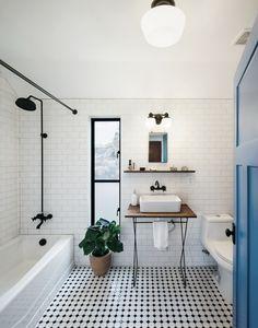 Black and White bathroom interior decoration. Exquisite bathroom uses a simple black and white color scheme [From: Pavonetti Design] Bad Inspiration, Bathroom Inspiration, Bathroom Ideas, Bathroom Designs, Bathtub Ideas, Bathroom Images, Budget Bathroom, Glass Bathtub, Beautiful Bathrooms