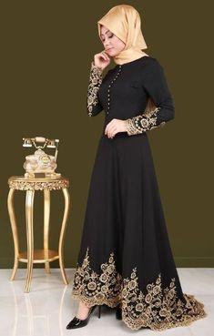 Muslim fashion with Black Long Hijab. Muslim fashion with Black Long Hijab. Abaya Fashion, Modest Fashion, Fashion Dresses, Fashion Fashion, Fashion Muslimah, Fashion Black, Womens Fashion, Hijab Evening Dress, Black Evening Dresses