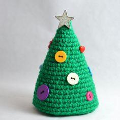 Crochet Patterns Christmas Crochet Christmas Treet With Buttons – Pops de Milk Crochet Christmas Decorations, Christmas Tree Pattern, Crochet Christmas Ornaments, Christmas Crochet Patterns, Holiday Crochet, Christmas Crafts, Button Ornaments, Button Decorations, Crochet Tree