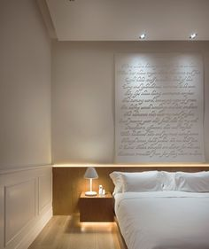 Macalister Mansion : Room 1 has a privately commissioned Love Sonnet above the bed by Arron Lee. This sonnet done in old English, influenced by the writings for Shakespeare to depict a rendition of true love found between 2 people.