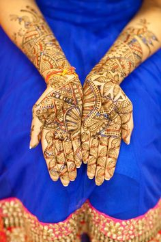 Beautiful leaf henna in multiple colours