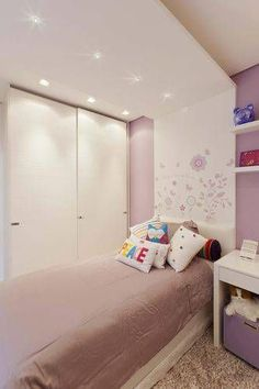 Trendy kids' bedroom