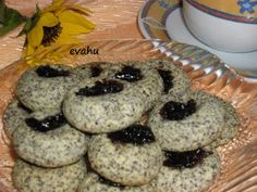 Bochánky s mákem od babičky Muffin, Cookies, Breakfast, Sweet, Recipes, Food, Advent, Crack Crackers, Morning Coffee