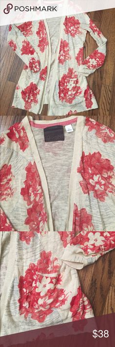 Anthropologie open cardigan Xs Anthropologie Guinevere open floral cardigan size Xs. Perfect condition. Lots of styling potential Anthropologie Sweaters Cardigans