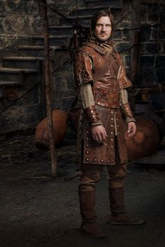 Cool leather armor — and I think this is the actor for the TV show VIKINGS. Fantasy Male, Fantasy Armor, Fantasy Dress, Medieval Fantasy, Fantasy Figures, Medieval Costume, Medieval Dress, Medieval Clothing, Larp