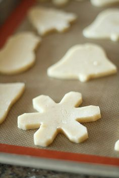 vanilla bean sugar cookies... I think I've decided on this recipe for family decorating day