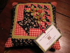 Piccalilli Days, cute basket pincushion