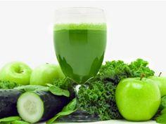 Dragi prieteni continuam energizarea, de data aceasta cu un suc verde ce este si detoxifiant. Plin de nutrienti, acesta ajuta la purificarea sangelui si la imbu