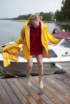 Raincoats For Women Posts Dog Raincoat, Raincoat Jacket, Yellow Raincoat, Rain Jacket, Raincoats For Women, Jackets For Women, Rainy Day Fashion, Country Wear, Boots