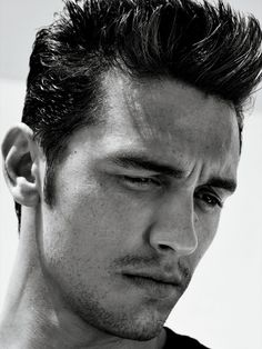 Portrait of James Franco via Interview Magazine. Ever since The Pineapple Express, I've adored him. Pretty People, Beautiful People, Hommes Sexy, Raining Men, Attractive Men, Gorgeous Men, You're Beautiful, Absolutely Gorgeous, Beleza