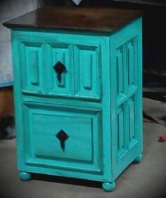 Love this adorable solid wood side table in aqua! #addicted to this color! www.thevintagebutterflyonline.com