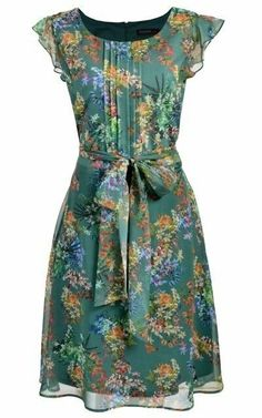 Swans Style is the top online fashion store for women. Shop sexy club dresses, jeans, shoes, bodysuits, skirts and more. Simple Dresses, Pretty Dresses, Beautiful Dresses, Casual Dresses, Summer Dresses, Jw Mode, Dress Skirt, Dress Up, Chiffon Dress