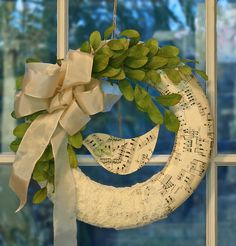 Beautiful wreath I'd love to try to make!