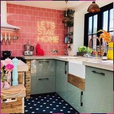 The Best Tiny House Interior Design And Decor Ideas 18 Kitchen Colors, Kitchen Decor, Kitchen Ideas, Kitchen Designs, Kitchen Sink, Sala Grande, Sweet Home, Lets Stay Home, Green Sofa