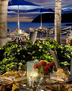 The Viscount Lounge is an elegant waterfront dining choice for afternoons and evenings. #JS Beach Dining