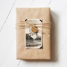 Envuelve tu libro para regalar con una fotografía personal
