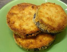Panierte Melanzani - Rezept - ichkoche.at Salmon Burgers, Vegetarian Recipes, Low Carb, Healthy, Ethnic Recipes, Kitchens, Eggplants, Vegetarian Food, Salmon