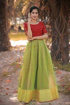 Long Skirt Top Designs, Long Skirt And Top, Fancy Dress Design, Frock Design, Half Saree Designs, Lehenga Designs, Saree Blouse Designs, Blouse Patterns, Frock For Teens
