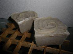 Mydlo s bahnom z mŕtveho mora a rozmarínom - ako z hammamu Homemade Cosmetics, Household, Projects To Try, Soaps, Hacks, Home Decor, Hand Soaps, Decoration Home, Room Decor