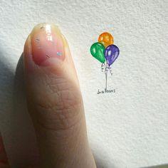 День 4 23 марта. На праздничной волне. Сегодня у мамули именины. А #шарики - рекордсмены по созданию праздничного настроения  (12x20mm) // #TinyPiecesOfLife Day 4 My mummy has her name-day today!  That's why - #balloons! The best way to feel a holiday mood  // #art #painting #balloon #watercolor #miniature #minimalism #акварель #миниатюра #рисунок #шарики #воздушныешары