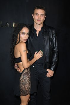 Zoe Kravitz and Karl Glusman First Red Carpet Appearance as Married Couple Zoe Kravitz and Karl Glusman made their red carpet debut as a married couple at Paris Fashion Week — details Zoey Kravitz, Zoe Kravitz Style, Zoe Isabella Kravitz, Lenny Kravitz, Zoe Kravitz Tattoos, Karl Glusman, Lisa Bonet, Fashion Couple, Hollywood