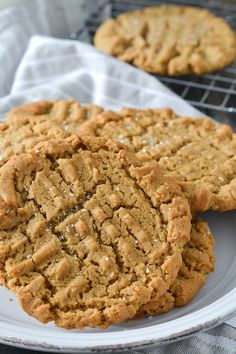 These delicious Gluten-Free Bakery Style Peanut Butter Cookies are a must try for any peanut butter lover! I can't resist peanut butter cookies. They're one of my top 3 along favorite cookies along with my Iced Oatmeal Cookies and Chocolate Chip Cookies. Honestly I don't think there's a cookie I don't like. My problem with …