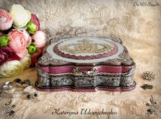 """Handmade box """"Crown of Louise the Fourteenth"""". Decoupage and other techniques."""