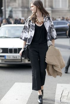 Street Style Paris Fashion Week Fall 2012 Photo 1