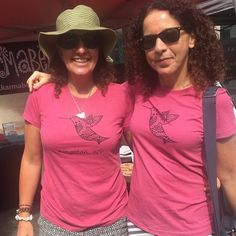 Most popular #tshirt at the @kingstonfarmersmarket . #karmabee #hummingbird #pink #kingstonny #hudsonvalley #shoplocal #handmade #etsy #twinshirts #matchingoutfits
