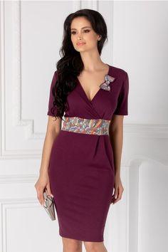 Rochii cu Imprimeuri Blouse Styles, Blouses For Women, Womens Fashion, Vintage, Vestidos, Workwear, Outfits, Gowns, Women's Fashion